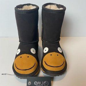 Emu Australia brand new monkey Ugg boots sz 9